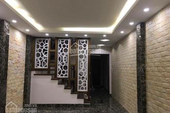 Bán nhà Kim Mã 45m2*4T, mặt tiền 4,8m, kinh doanh tốt, ô tô đỗ cửa, giá 6 tỷ. LH 0946924026