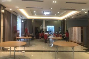Cho thuê nhà mặt phố Võ Chí Công, DT 400m2, 5 tầng, MT 12m. LH 0914.477.234