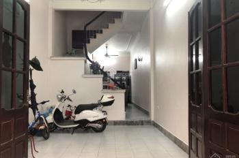Cho thuê nhà ngõ Hoàng Ngọc Phách, Đống Đa. Tiện kinh doanh hoặc VP MT 4m, DT 50m2x4 tầng