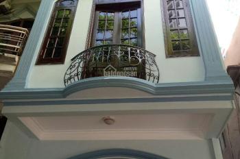 Cho thuê nhà: 22m2x3 tầng, lô góc, ô tô đỗ cửa, 9.5 tr/th, số 154, ngõ 72 Nguyễn Trãi, Thanh Xuân