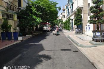 Bán gấp nhà hẻm 1025 đường Cách Mạng Tháng Tám, P7, quận Tân Bình (3,5mx15m) LH 0945106006
