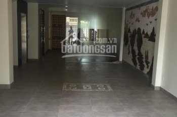 Cho thuê nhà 5 tầng, có cầu thang máy, lô 16 Lê Hồng Phong, giá 30 - 35 tr/th. LH: 0704197668