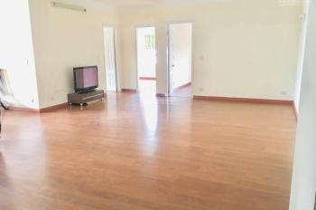 Cần bán CHCC 15 - 17 Ngọc Khánh, 150m2, view hồ Giảng Võ tầng trung, ĐN 2, giá 35 triệu/m2