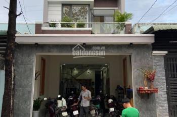 Bán nhà phố tại Đông Hòa, Dĩ An, DT: 5x20m, sổ hồng thổ cư 100%. Liên hệ: 0925515369