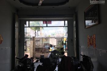 Cần bán nhà mặt tiền đường Phạm Hùng, quận 8