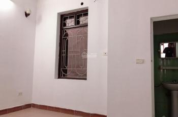 Còn phòng sạch, đẹp cho thuê ngay khu vực bán đảo Linh Đàm