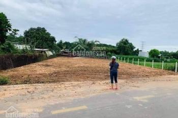 Bán đất nền ngay trung tâm HC Tân Uyên, ven hồ sinh thái Đá Bàn, 590 triệu/nền. LH 0933 444 591