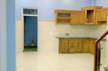 Cho thuê nhà 2 lầu, 4 phòng ngủ hẻm 8m gần công viên, đường Vườn Lài