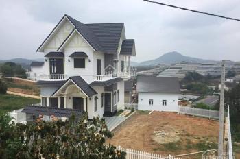Bán biệt thự đẹp mới hoàn thiện đường Nam Hồ, Đà Lạt, 327m2 giá 11.8tỷ