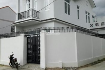 Bán nhà 2 mặt tiền, thiết kế kiểu biệt thự liền kề ủy ban xã Vĩnh Thạnh, Nha Trang.