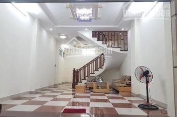 Cho thuê nhà mặt phố Phạm Tuấn Tài, 70m2 x 5 tầng, mặt tiền 8m, 25 triệu/tháng. LH: 0984.536.699