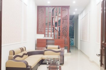 Bán nhà xây mới 4T*39m2 cách cầu Vĩnh Tuy 1,8km, ô tô đỗ cổng, phố Thanh Lân, giá 1.9tỷ, 0917483636