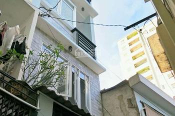 Cần bán nhà đẹp Bến Vân Đồn tương lai mặt tiền đường lớn, LH: Trần Anh 0915086789