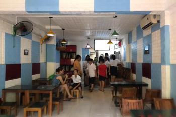 Cần chuyển nhượng quán bánh mỳ, trà sữa, đồ ăn vặt đang đông khách tại Thành Công 65m2