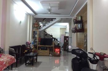 Cho thuê nhà riêng tại Chùa Bộc, DT: 80m2 x 4T, MT: 4,5m. Giá: 28tr/th, LH: 0339529298