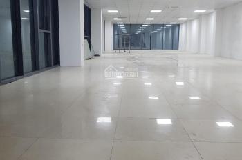 Cho thuê tầng 1 và 2 căn góc mặt phố 212 Nguyễn Trãi, 180m2x2T, MT 8m, T1: 100tr/th và T2: 45tr/th