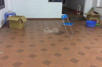 Cho thuê nhà 80m2 x 4 tầng, 4 phòng 30m2 trong ngõ 167 Tây Sơn, ngõ ô tô đỗ cửa, có chỗ để xe