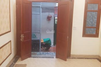 Nhà 39m2*4T phố Thanh Lân, thoáng trước sau, ôtô đỗ cổng, 5 phòng ngủ, giá 1.9 tỷ, LH 0917483636