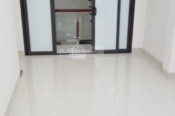 Cho thuê nhà MP Minh Khai, 30m2 x 4 tầng, 25tr/tháng