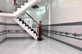 Cần bán nhà 1 trệt 1 lầu đường Trần Văn Mười, Hóc Môn, 32m2, 1.25 tỷ, nhà có sổ hồng