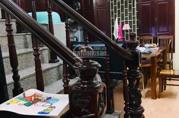 Gia đình bán nhà 4 tầng mặt ngõ thông DT: 45m2, KD nhỏ, SĐCC (Liên: 039.893.3638)