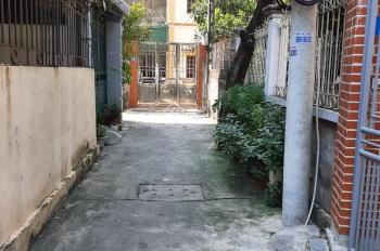 Chính chủ bán đất ngay sau chung cư Eco Home Phúc Lợi, DT 30m2 hướng TB ô tô đỗ cửa, giá 950 triệu