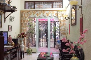 cần bán nhà mặt phố đường Hoàng Mai, sổ 56m2, nhà rất đẹp giá 4,5 tỷ, LH 0977467662