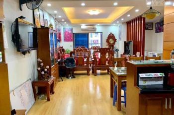 Gia đình cần bán gấp CHCC Victoria Văn Phú, DT 135m2 căn góc gồm 3PN, 2WC, BC Đông Nam, giá 2.25 tỷ