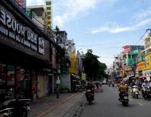 Cho thuê nhà mặt phố Hoàng Hoa Thám Tân Bình 2 lầu diện tích 5,6x19m. Giá 30 triệu/tháng