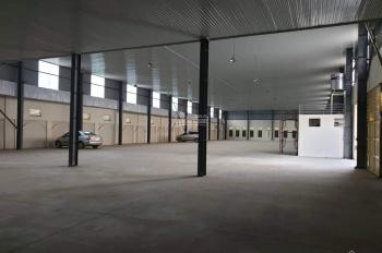 Cho thuê kho xưởng đẹp 2500m2 mặt đường Quốc Lộ 32, thị xã Sơn Tây. LH: Anh Thăng 0357444111