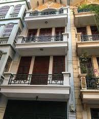 Cho thuê nhà Văn Cao, Liễu Giai, Ba Đình, 4 tầng, giá 10tr/th ô tô cách 80m (phù hợp ở gia đình