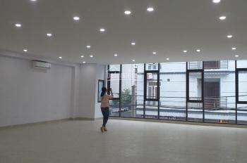 Cho thuê văn phòng siêu đẹp tại phố Lê Văn Thiêm, DT 130m2, giá 26tr/th. LH 0971993386 (miễn TG)