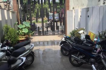 Cho thuê nhà phố 2 mặt tiền thiết kế dạng văn phòng, mặt tiền Xa Lộ Hà Nội, Quận 9, LH: 0938343079