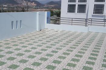 Bán căn nhà Nguyễn Tất Thành giá cực rẻ đang kinh doanh