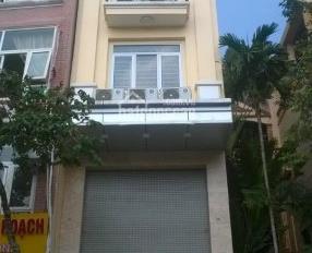 Cho thuê cả nhà MP Yên Lãng cực đẹp 50m2 x 7 tầng nhà mới có thang máy, thông sàn vỉa hè rộng