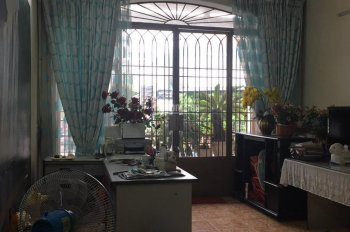 Cho thuê nhà mặt tiền đường Hồ Hảo Hớn, P. Cô Giang, Quận 1