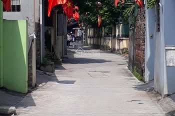 Bán đất tổ 5 Thạch Bàn, Long Biên, Hà Nội, 50m2, lô góc 2 mặt ngõ thông, ô tô 7 chỗ vào đất