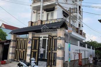 Nhà 2 mặt tiền 7x17m, 1 trệt 2 lầu ngay trung tâm thị trấn Hóc Môn, giá 6,8 tỷ