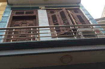Bán gấp nhà ngõ 5 Hoàng Quốc Việt, 5 tầng, tự xây chắc chắn