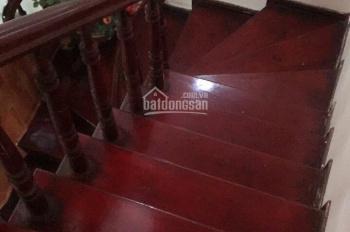 Nhà đẹp chính chủ, ngõ rộng ô tô đỗ cổng ở Hoàng Quốc Việt - Trần Cung, giá 5tỷ3, có thương lượng