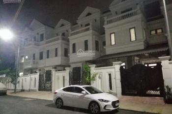Villa mini gần ngã tư Ga, DT 82m2, đúc 3 tấm, gara xe hơi, tặng full nội thất cao cấp