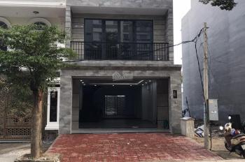Cho thuê nhà phố 6x21m, 1 trệt 2 lầu 1ST, đường 20m, Phước Long B, Q9, 29 triệu/th