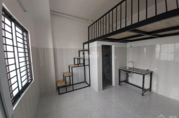 Phòng mới xây có gác lửng ban công tiện nghi đường Lý Thường Kiệt, Quận 10