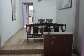 Cho thuê nhà trong ngõ phố Tây Sơn 70m2 - Nhhà đẹp, mới sơn sửa, có sân vườn - Khu vực dân trí cao