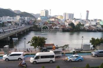 Cho thuê nhà hàng 1100m2 đang đón khách đoàn TQ ổn định tại trung tâm thành phố Nha Trang