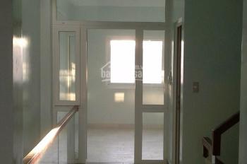 Cho thuê nhà đường Hoàng Quốc Việt, quận 7, DT 5x18m 1 trệt 3 lầu, giá 30tr/tháng. LH 0938 399 610