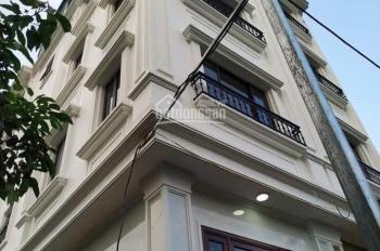 Bán nhà đẹp tại tổ 15 P Thạch Bàn 30m2 x 4,5 tầng ngõ 2,4m giá 2,1 tỷ (cách chợ Đồng Dinh 300m)