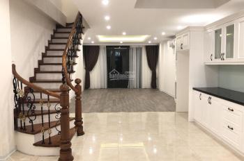 Cho thuê nhà phù hợp làm văn phòng đào tạo, XKLĐ tại Giảng Võ. DT: 80m2 * 8 tầng, MT: 6m