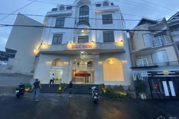 Bán khách sạn đẹp mới hoàn thiện đường Đặng Thái Thân, Đà Lạt - giá 25 tỷ