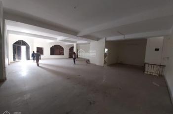Cho thuê văn phòng tầng 3, tòa nhà lô góc, có thang máy, khu đất dịch vụ Vạn Phúc, gần ngã tư
